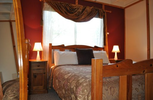Easy access main floor Queen bedroom